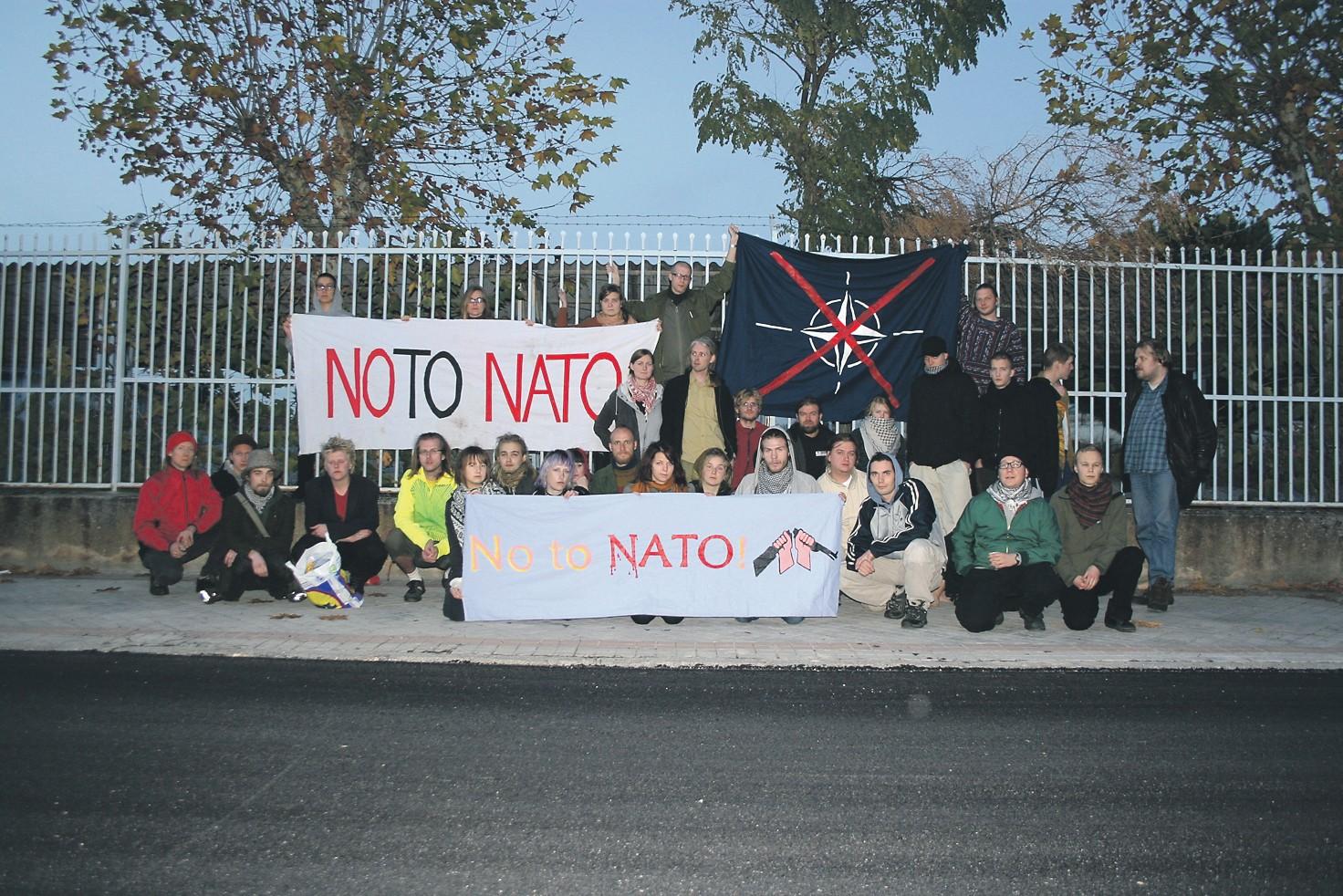 Naton huippukokous Lissabonissa – epäilyttävä pasifisti matkustaa