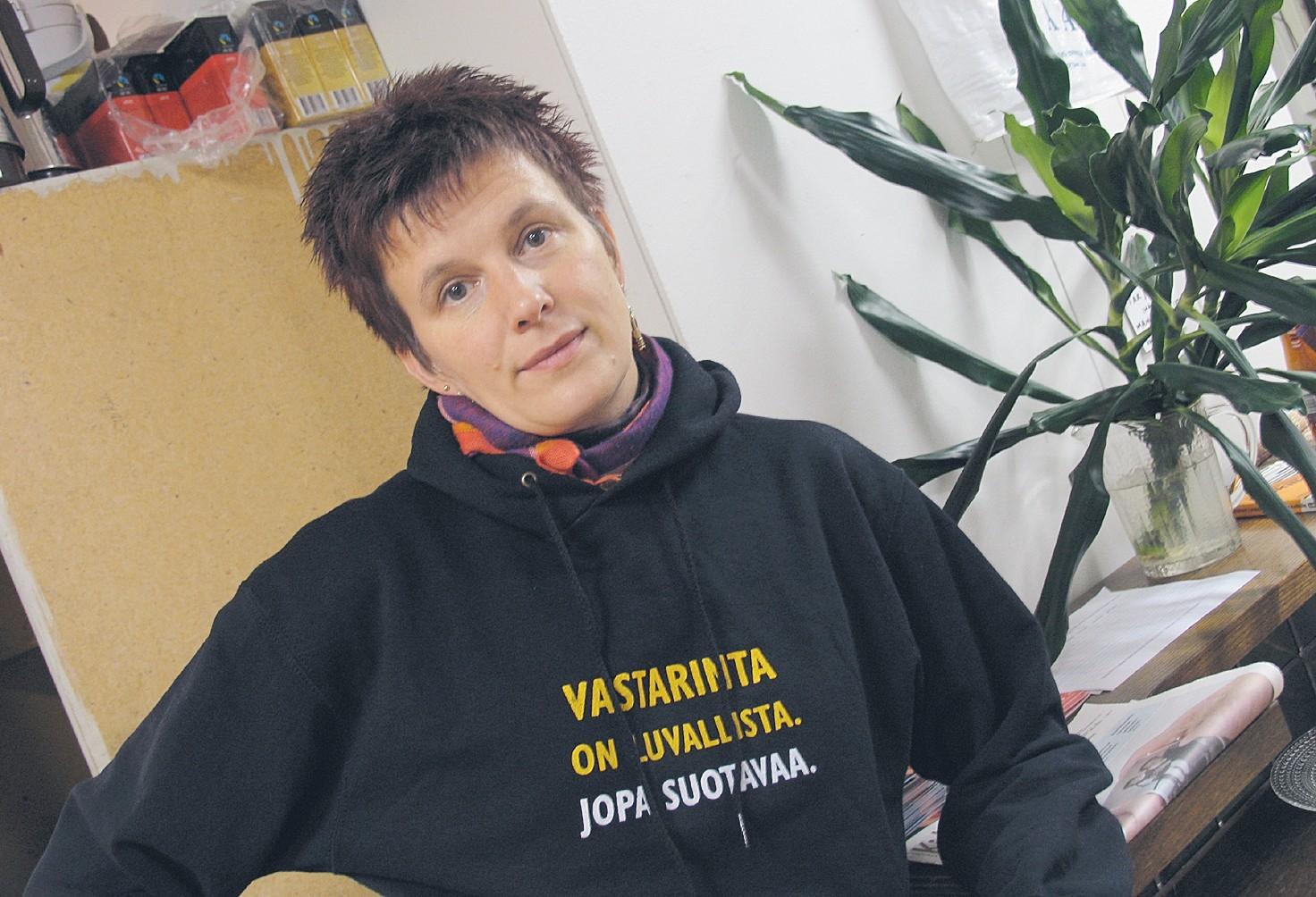 Rauhantekijä Merja Moubarik: Naapuriystävyys etenee kulttuurin keinoin
