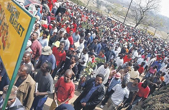 Swazimaa – Feodaaliyhteiskunta kuningas Mswati III:n terrorin kourissa